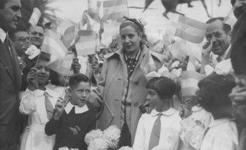 102 años de Eva Perón: recorrido con fotos inéditas de su vida    Eva perón
