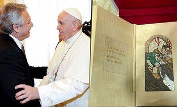 Alberto Fernández y el Papa Francisco: los regalos que intercambiaron | Alberto con francisco