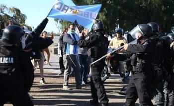 Rosario: la policía detuvo a manifestantes anticuarentena | Coronavirus en argentina