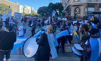 Coronavirus: escasa convocatoria en las marchas anticuarentena   Coronavirus en argentina