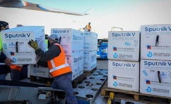 Vacunación COVID: el gobierno confirmó cuándo llegan las Sputnik V  | Coronavirus en argentina