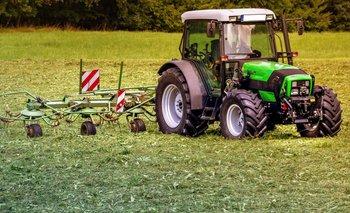El tractor, una herramienta para el campo argentino | Economía
