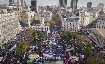Multitudinaria Marcha Federal contra el ajuste del Gobierno | Marcha federal