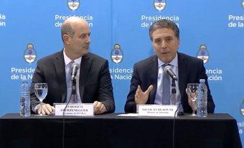 Las similitudes entre las tapas de Clarín del día del blindaje y el actual acuerdo con el FMI | Domingo cavallo