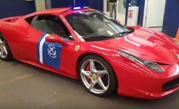 País de locos: la Prefectura usará una Ferrari incautada como patrullero | Prefectura