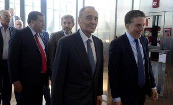 En medio de la crisis, el Gobierno premió a Clarín: aprobó la fusión de Cablevisión y Telecom | Mauricio macri