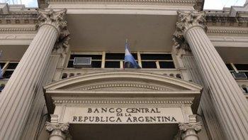 El Banco Central usó casi U$S 700 millones para frenar la suba del dólar pero fracasó | Crisis económica