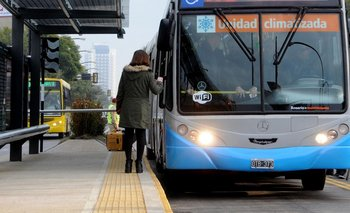 La UTA anuncia un paro de transporte en la interior para el martes | Paritarias