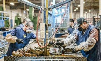 Se registró la primera mejora en asalariados formales desde abril | Reactivación económica