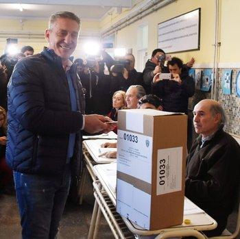 Con duras críticas al Gobierno, Arcioni busca su reelección | Elecciones chubut