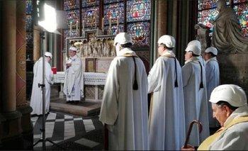 La primera misa en Notre Dame de París a dos meses del incendio | Agenda