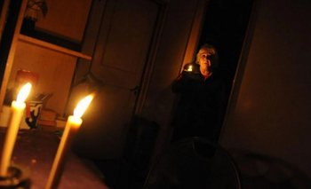 Casi 25 mil usuarios continúan sin luz tras el histórico apagón | Sin luz