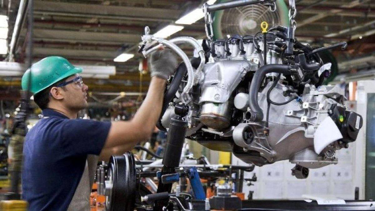 La economía se desplomó 5,8% en el primer trimestre