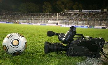 Medios: El gobierno, las empresas de TV y la pelota | Fútbol