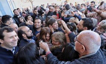 Una multitud recibió a Kicillof en en el Interior bonaerense  | Elecciones 2019