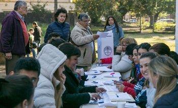 Arrancó la campaña: poner en cuestión las PASO | Paso