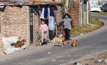 Pobreza infantil: UNICEF advirtió que llegaría al 63% este año | Crisis económica