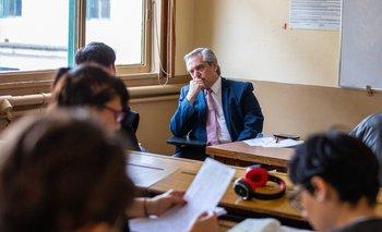 Alberto Fernández vuelve a dar clases de forma virtual | Coronavirus en argentina