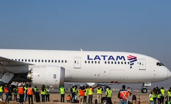 Trabajadores de Latam cortan acceso al Aeropuerto | Latam