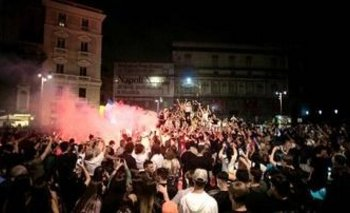 La impactante despedida popular en Nápoles | Murió diego maradona