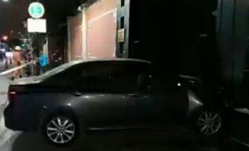 Un hombre chocó con su auto la puerta de la Embajada de China | Buenos aires