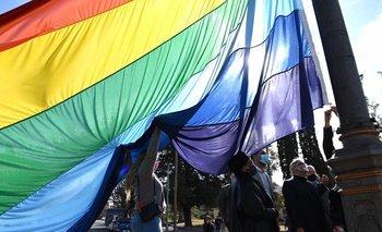 Antiderechos quisieron sacar una bandera del orgullo LGTBIQ | Marcha del orgulo lgtbiq