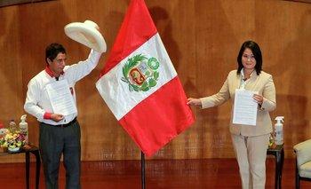 Perú: se extiende el suspenso por el ajustado escrutinio del balotaje  | Perú