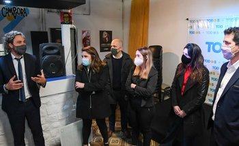 Cafiero y De Pedro visitaron el local del FdT que fue atacado en Bahía Blanca | Provincia