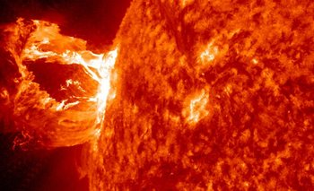 Una enorme explosión solar preocupa a la NASA   Nasa
