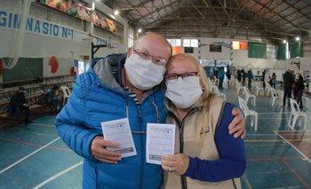 Provincia empieza a vacunar a mayores de 60 sin turno   Coronavirus en argentina