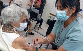 El 85% de las personas mayores de 18 años tiene al menos una dosis | Coronavirus en argentina