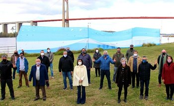 Más de 3 mil dirigentes firmaron por el control y administración del Paraná   Hidrovía