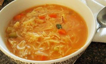 Cómo hacer sopa de fideos: receta fácil y práctica | Recetas de cocina