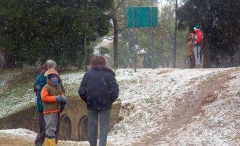 Nieve en la provincia de Buenos Aires: los videos de la ola polar   Clima