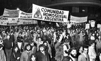 Así fue la primera marcha del orgullo LGBTIQ en Argentina   Día del orgullo lgbtiq+