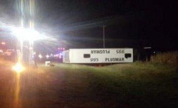 Volcó un micro en ruta 2: dos muertos y al menos 38 heridos | Ruta 2