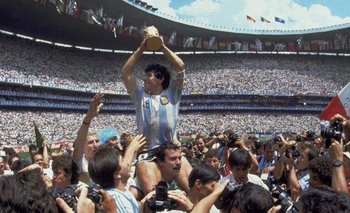 La historia del hombre que llevó en andas a Maradona en México 86   Fútbol
