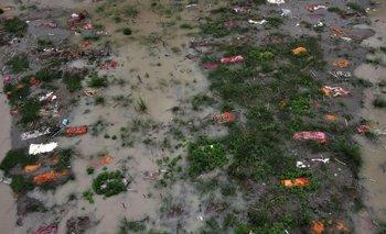 En India, cientos de cadáveres de victimas de COVID-19 resurgen del río Ganges   Coronavirus
