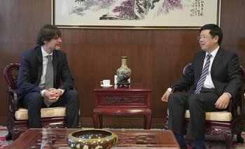 Vaca Narvaja destacó que China logró sacar de la pobreza a 800 millones de personas | China