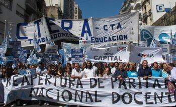 Ciudad: cuatro gremios docentesexigieron la reapertura de paritarias | Educación