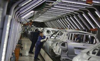 Industria aumentará 24% las divisas para las automotrices | Débora giorgi