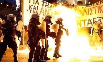 Mientras el FMI exige un alivio para Grecia, hay incidentes en Atenas   Fmi