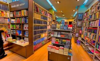 Posporno en la mesa de best sellers   Libros