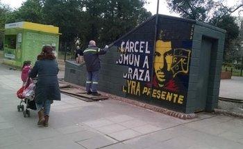 Metrovías tapó un mural en homenaje a Mariano Ferreyra   Ciudad