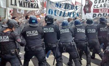 Infantería reprimió a los trabajadores de Pepsico que marcharon al Congreso | Pepsico