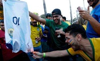 Brasileños quemaron la camiseta de Messi en la previa del partido | Copa américa brasil 2019
