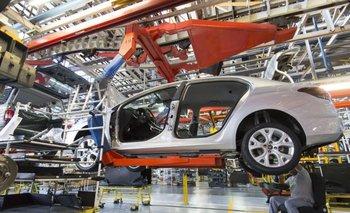 Crisis: se desplomó la producción automotriz en junio | Crisis económica