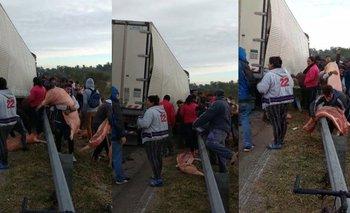 Entre Ríos: vecinos saquearon un camión que llevaba carne de cerdo | Crisis económica