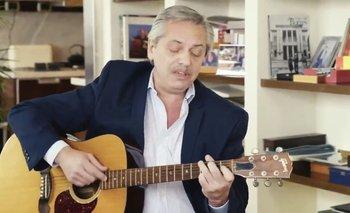 Alberto Fernández canta y toca la guitarra en su nuevo spot de campaña | Alberto fernández