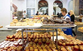 Marcha atrás en la dolarización de la harina por reclamo de panaderías | Crisis económica